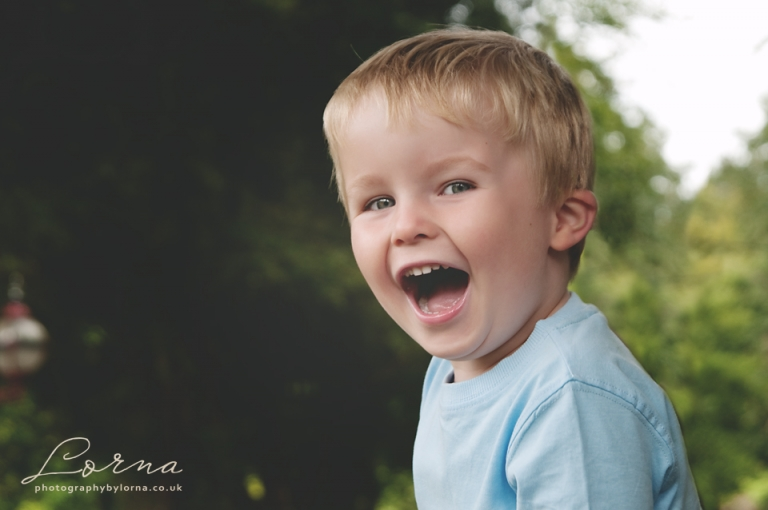 photos_of_children_cardiff_llantrisant_miskin