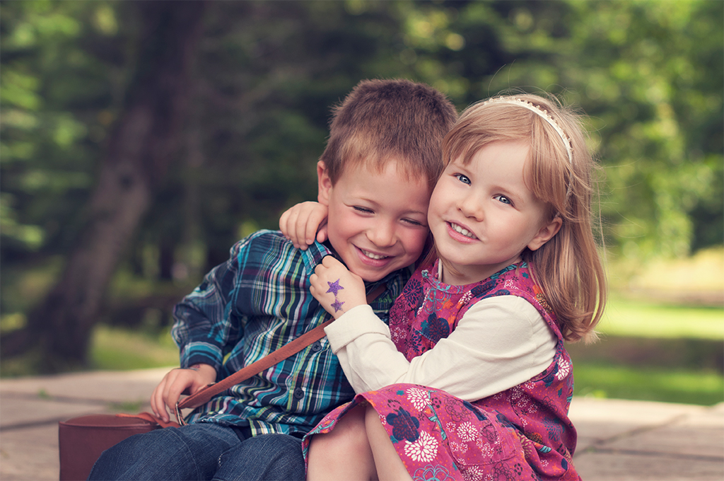 """"""" Just had a look at the photographs that you took of my twins and I just wanted to say that they are just so lovely! I cried like a baby!Lorna makes the children feel special and she has fun with them! Thank you so much!! """" - Sue"""