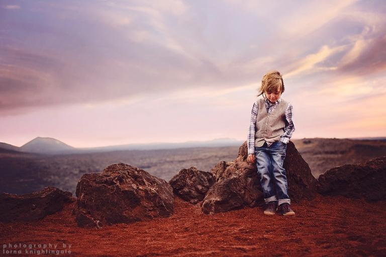 boy-volcano-timanfaya-lanzarote