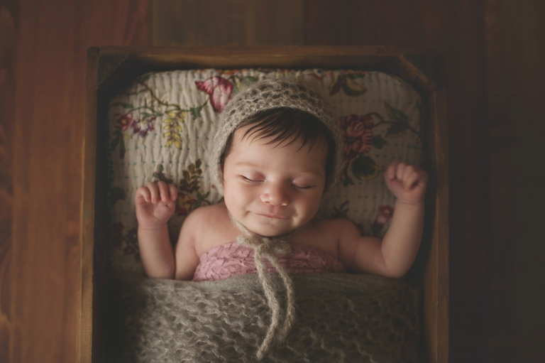 baby-girl-photographer-newborn-poppy-smile