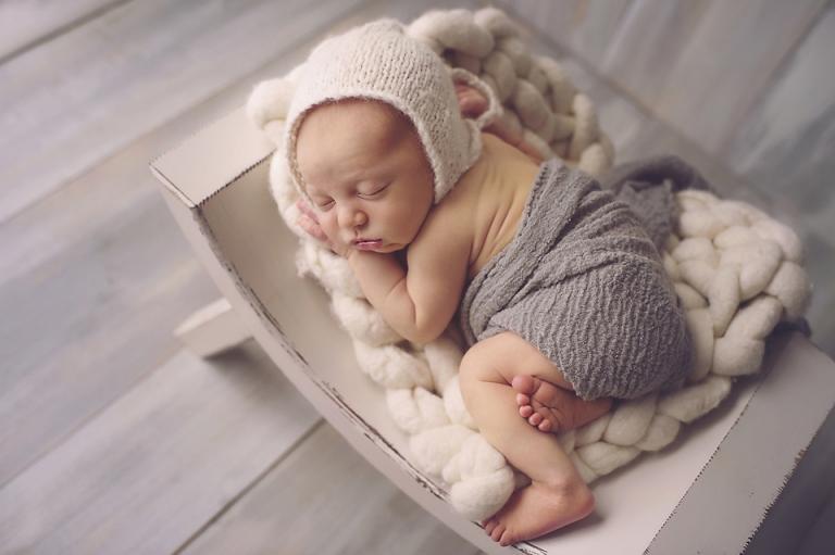 photography-newborn-baby-boy-miskin-manor-lorna-knightingale