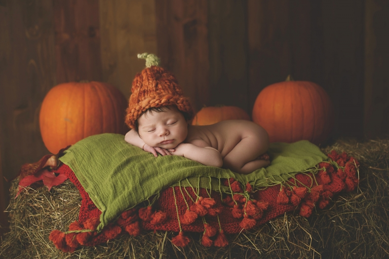 baby-girl-photographer-newborn-poppy-pumkins