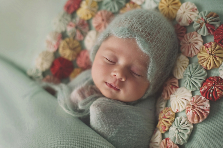 lorna-knightingale-photographer-newborn-baby-girl