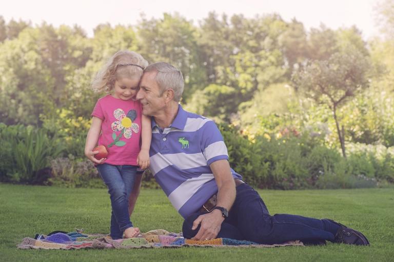 family-photo-shoot-grandparents-gradaughter-miskin-lorna-knightingale-