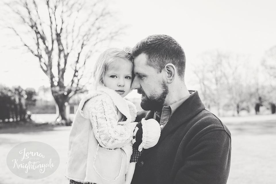 maternity-pregnancy-family-photo-shoot-miskin-south-wales-the-vale-lorna-knightingale