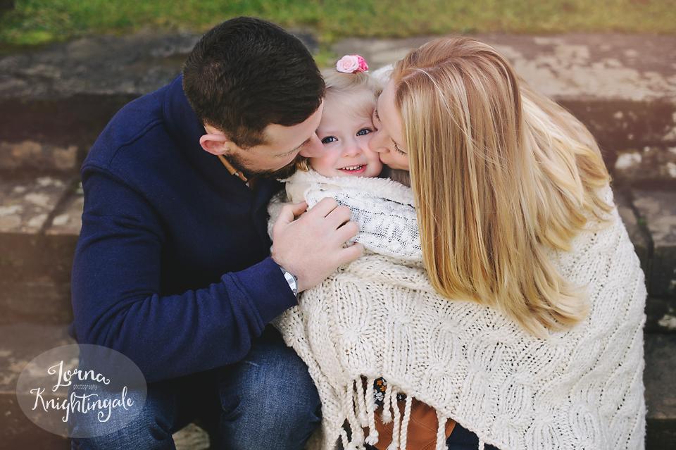 maternity-pregnancy-family-photo-shoot-miskin-south-wales-the-vale-lorna-knightingale1