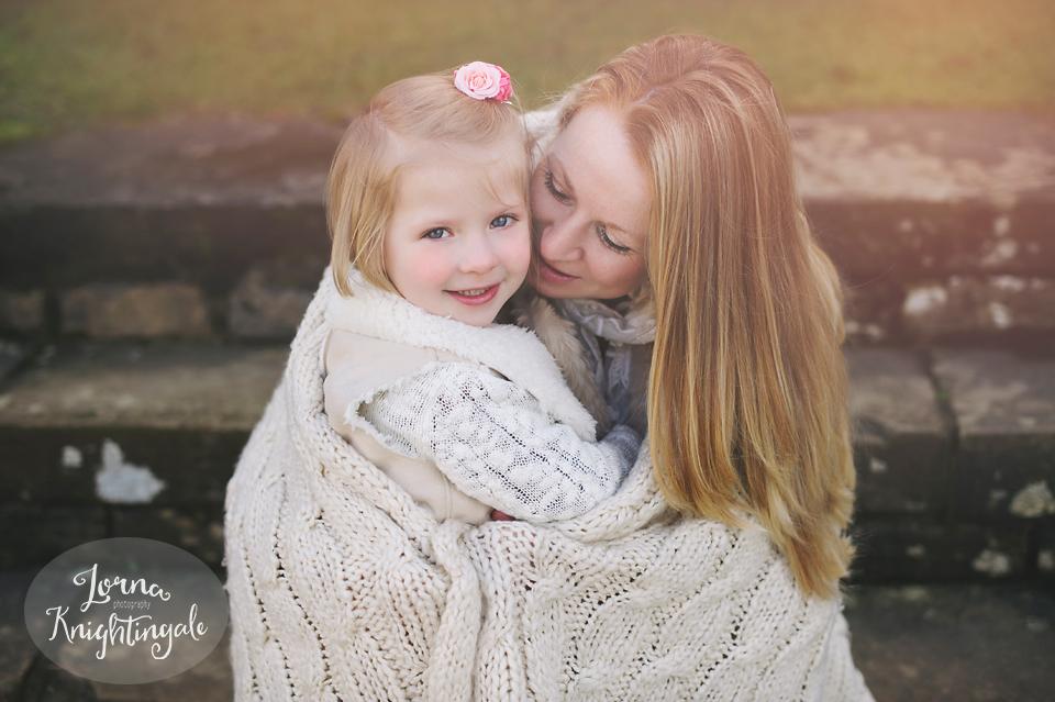 maternity-pregnancy-family-photo-shoot-miskin-south-wales-the-vale-lorna-knightingale4